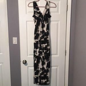 XS Black & White Windsor Maxi Dress Cut-out Back